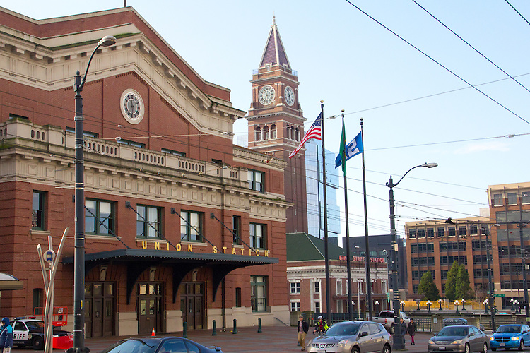 Seattle, Seattle historic train stations, Pioneer Square, Union Pacific station, National Historic Preservation Award, King Street Station, mixed architectural styles: Railroad Italianate and Beaux Arts,