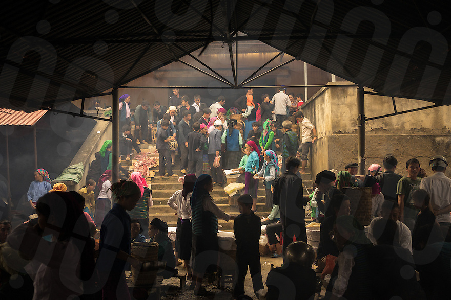 September 21, 2014 - Meo Vac (Vietnam). Locals eat at the restaurants around the Sunday market of Meo Vac. Each week hundreds of people flock into town from the surrounding valleys walking for kilometers to sell and buy local products. © Thomas Cristofoletti / Ruom