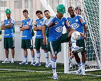 SÃO PAULO,SP,06 AGOSTO 2012 - VISITA JOGADORES OBRAS ARENA PALESTRA<br /> Luan jogador do Palmeiras  duarante visita na tarde de hoje as obras da Arena Palestra.FOTO ALE VIANNA/BRAZIL PHOTO PRESS.