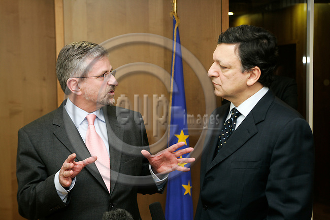 BRUSSELS - BELGIUM - 26 MARCH 2007 -- Meeting between Wilhelm MOLTERER (L), Austrian Vice Chancellor and Minister for Finance, and Jose Manuel BARROSO (R), President of the European Commission. Photo: Erik Luntang/eup-images