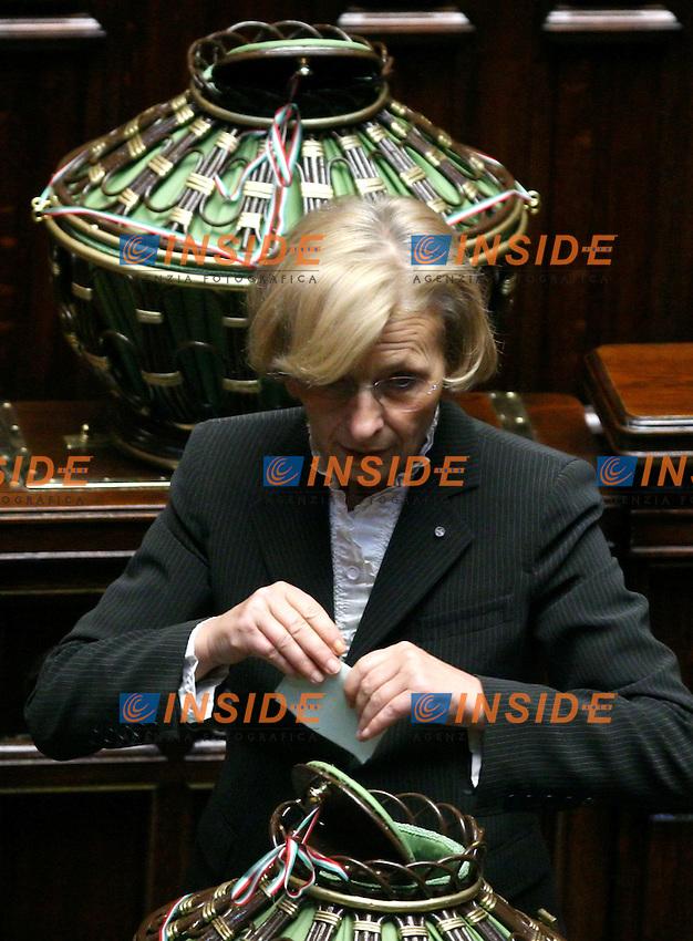 Roma, 29/04/2006 Camera:Votazione per il Presidente<br /> Nella foto Emma Bonino durante il suo voto<br /> Photo Serena Cremaschi Insidefoto