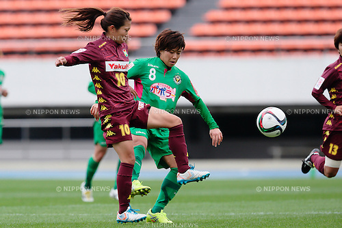 (L to R) <br /> Risa Fukasawa (Jef Ladies), <br /> Yumi Uetsuji (Beleza), <br /> OCTOBER 31, 2015 - Football / Soccer : <br /> Plenus Nadeshiko League 2015 <br /> between NTV Beleza 2-0 Jef Chiba Ladies <br /> at Komazawa Olympic Park Stadium, Tokyo, Japan. <br /> (Photo by AFLO SPORT)