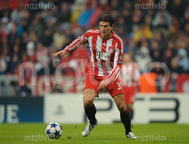 Fussball Uefa Champions League 2010/11 FC Bayern Muenchen - CFR 1907 Cluj Mario GOMEZ (FC Bayern).
