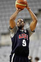 BARCELONA, ESPANHA, 23 JULHO 2012 - TREINO SELECAO AMERICANA DE BASQUETE - O jogador Andre Iguodala durante sessao de treino da selecao norte americana de basquete em Barcelona na Espanha, nesta segunda-feira. A equipe se prepara para a estreia nas Olimpiadas 2012. (FOTO: ALFAQUI / BRAZIL PHOTO PRESS).