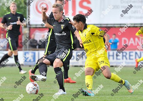 2015-07-08 / voetbal / seizoen 2015-2016 / Lierse - Alemannia Aachen / Maciej Zieba (l) (Aachen) probeert voorbij Sabib Bougrine (r) (Lierse) te komen.