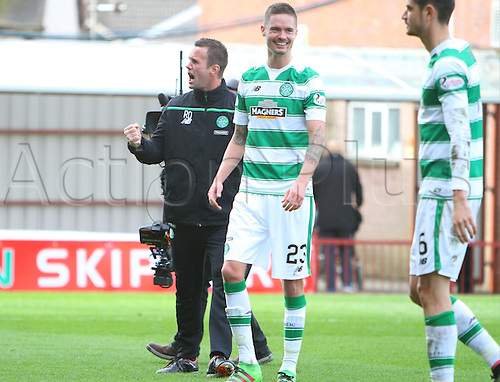 09.04.2016. Fir Park, Motherwell, Scotland. Scottish Football Premiership Motherwell versus Celtic. Ronny Deila roars to the Celtic fans after the match