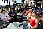 20080110 - France - Aquitaine - Pau<br /> LES CAFES DU BOULEVARD DES PYRENEES A PAU, TRES ANIMES.<br /> Ref : PAU_013.jpg - © Philippe Noisette.