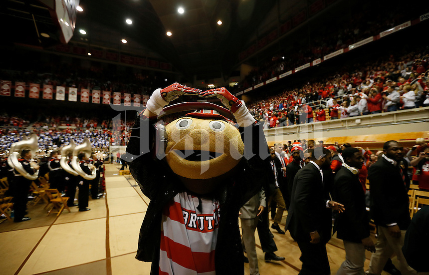 Brutus salutes the crowd in St. John Arena before the college football game between the Ohio State Buckeyes and the Minnesota Golden Gophers at Ohio Stadium in Columbus, Saturday night, November 7, 2015. The Ohio State Buckeyes defeated the Minnesota Golden Gophers 28 - 14. (The Columbus Dispatch / Eamon Queeney)