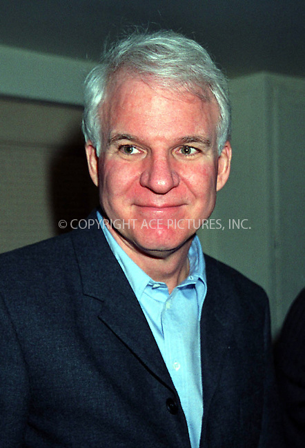 *WORLD RIGHTS*.Steve Martin at the Billy Connolly.Concert at Town Hall..New York, USA. 23 February  2002   Ref: AJ1115.Please Byline AJ Sokalner/Big Pictures USA