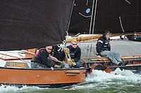 SKUTSJESILEN: LEMMER: Lemster Baai, 18-05-2012, Lemmer Ahoy, skûtsjesilen, skûtsje Langweer, Ut 'e Striid, Rinus de Jong, Wander van der Pol, ©foto Martin de Jong