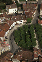 Europe/France/Midi-Pyrénées/32/Gers/Fources: vue aérienne de la Bastide