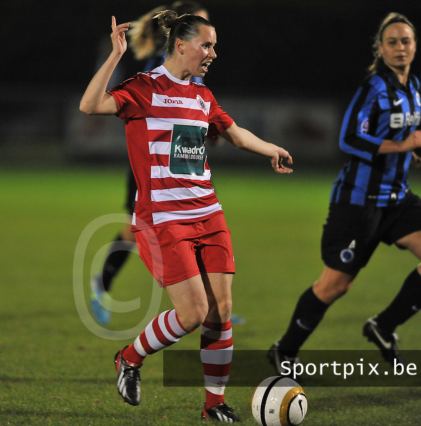 20131001 - VARSENARE , BELGIUM : Antwerp Aafke Den Ridder pictured during the female soccer match between Club Brugge Vrouwen and Royal Antwerp FC Ladies , of the fifth matchday in the BENELEAGUE competition. Tuesday 1 October 2013. PHOTO DAVID CATRY