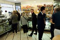L'interno della pasticceria Rosa Salva a Venezia.<br /> Interior of the confectioner's shop Rosa Salva in Venice.<br /> UPDATE IMAGES PRESS/Riccardo De Luca