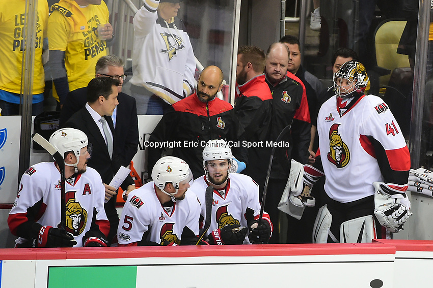 May 21, 2017: Ottawa Senators goalie Craig Anderson (41) looks at head coach Guy Boucher after being taken out of the game during game five of the National Hockey League Eastern Conference Finals between the Ottawa Senators and the Pittsburgh Penguins, held at PPG Paints Arena, in Pittsburgh, PA. Pittsburgh shuts out Ottawa 7-0 to lead the series 3-2.  Eric Canha/CSM