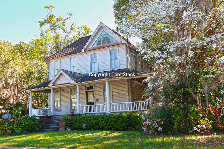 Beautiful vintage Victorian home in the Historic District of Ocala, Florida
