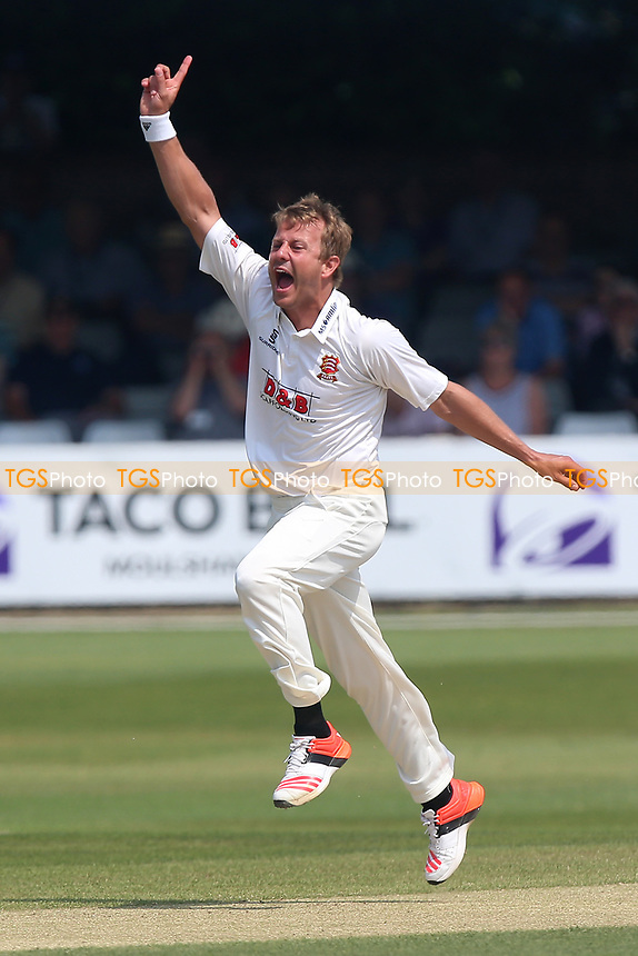 Neil Wagner of Essex with an appeal for a wicket during Essex CCC vs Warwickshire CCC, Specsavers County Championship Division 1 Cricket at The Cloudfm County Ground on 21st June 2017