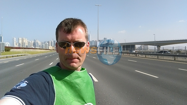 Sheikh Zayed Road as never seen empty before the start of Stage 2, the Nakheel Stage, of the 2016 Dubai Tour starting at the Dubai International Marine Club and running 188km to Palm Jumeirah Atlantis, Dubai, United Arab Emirates. 4th February 2016.<br /> Picture: Eoin Clarke | Newsfile<br /> <br /> <br /> All photos usage must carry mandatory copyright credit (&copy; Newsfile | Eoin Clarke)