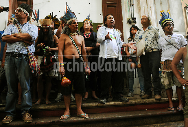 Indians participate at a meeting with human rights militants, journalists and students during a occupation an old indigenous museum --aka Aldea Maracana-- next to Maracana stadium in Rio de Janeiro, Brazil, January 12, 2013. Indians of about 10 ethnicities ? mostly Guarani, Pataxo, Kaingangue and Guajajara- have occupying the place since 2006 as a protest against Rio de Janeiro's governmet decision to throw them out and pull down the building to construct 10,500 parking lots for the upcoming Brazil 2014 FIFA World Cup. (Austral Foto/Renzo Gostoli).
