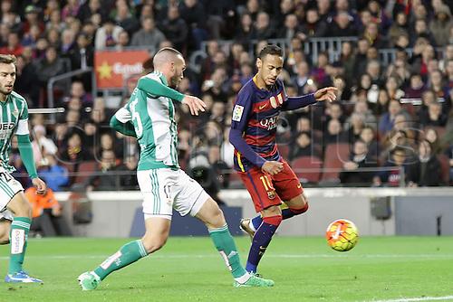 30.12.2015. Nou Camp, Barcelona, Spain. La Liga. Barcelona versus Real Betis. Neymar is challenged by Vargas