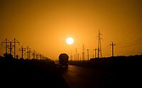 sol saliendo al amanecer