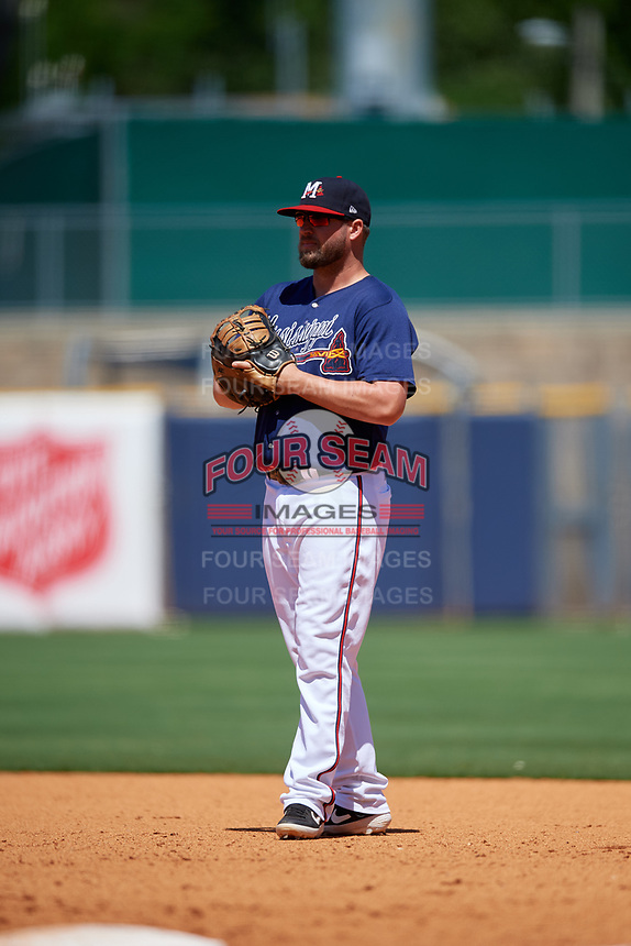 Mississippi Braves first baseman Andy Wilkins (32) during a Southern League game against the Jacksonville Jumbo Shrimp on May 5, 2019 at Trustmark Park in Pearl, Mississippi.  Mississippi defeated Jacksonville 1-0 in ten innings.  (Mike Janes/Four Seam Images)