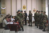 Military servants voting in  Chisinau, Republic of Moldova. / Präsidentenwahl in der Republik Moldau am 30.10.2016 in Chisinau
