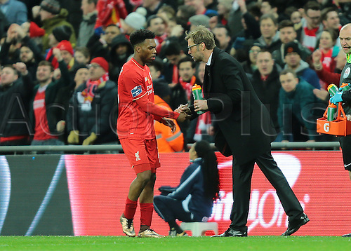 28.02.2016. Wembley Stadium, London, England. Capital One Cup Final. Manchester City versus Liverpool. Liverpool Forward Daniel Sturridge receives advice of Liverpool Manager Jürgen Klopp, after Liverpool Midfielder Philippe Coutinho makes it 1-1