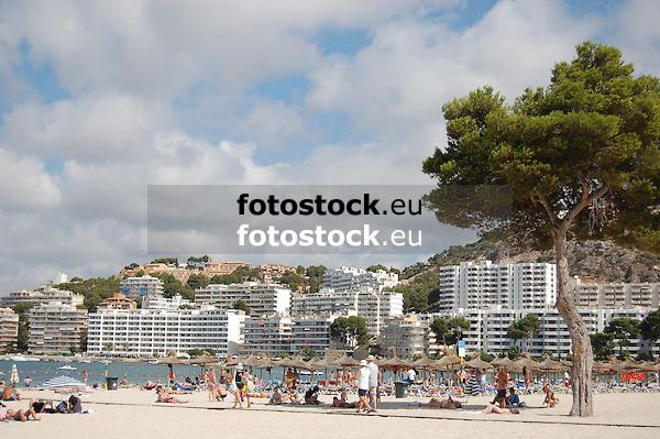 Santa Ponsa beach<br /> <br /> Playa de Santa Ponsa (cat.: Platja de Santa Ponca)<br /> <br /> Strand von Santa Ponsa<br /> <br /> 3008 x 2000 px