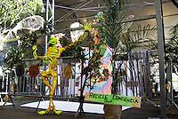 SAO PAULO, SP, 19 DE MAIO DE 2012 - SOS MATA ATLANTICA - Projeto Viva a Mata 2012 nesta manha de sabado no parque do Ibirapuera, que ocorrera ate o dia 20 de maio, o objetivo e mostrar as iniciativas e projetos em prol da Mata Atlantica,aonde o publico pode participar de palestras, debates, oficinas, exposicoes, observacao de aves, apresentacoes teatrais e jogos, a mostra e gratuita.FOTO: DEBBY OLIVEIRA / BRAZIL PHOTO PRESS