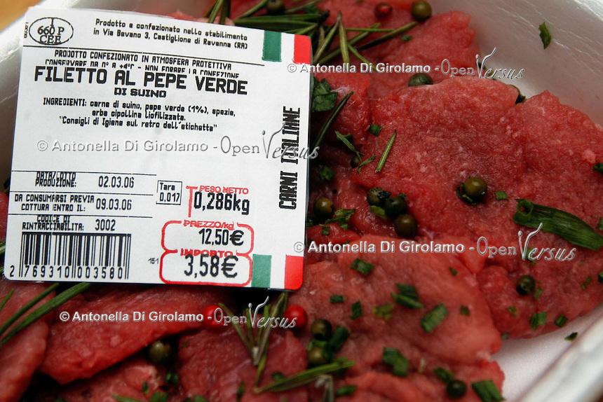 Filetto di manzo con spezie. Fillet of beef with spices...
