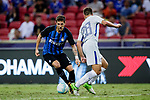 FC Internazionale Forward Stevan Jovetic (L) plays against Chelsea Defender Cesar Azpilicueta (R) during the International Champions Cup 2017 match between FC Internazionale and Chelsea FC on July 29, 2017 in Singapore. Photo by Marcio Rodrigo Machado / Power Sport Images