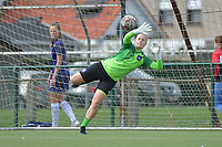 Anderlecht's goalkeeper Lowiese Seynhaeve  pictured during a female soccer game between SV Zulte - Waregem and RSC Anderlecht Dames on the second matchday of the 2020 - 2021 season of Belgian Scooore Women s SuperLeague , saturday 5 th of September 2020  in Zulte , Belgium . PHOTO SPORTPIX.BE | SPP | DIRK VUYLSTEKE