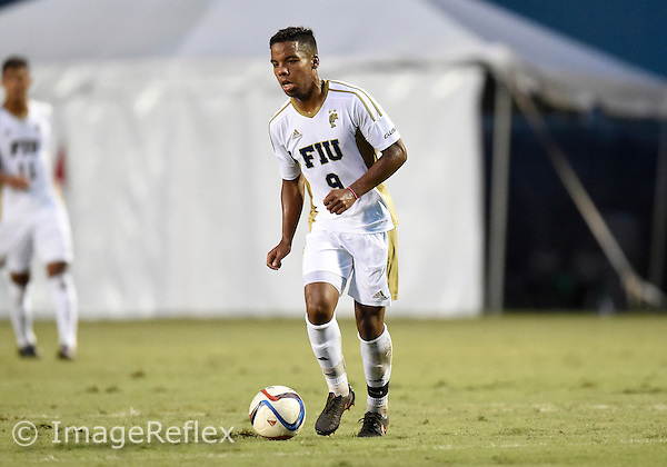 Florida International University men's soccer midfielder Ismael Longo (9) plays against Marshall University. FIU won the match 5-1 on September 26, 2015 at Miami, Florida.