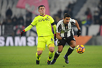 Calcio, Serie A: Juventus vs Bologna. Torino, Juventus Stadium, 8 gennaio 2017.<br /> Juventus' Sami Khedira, right, is chased by Bologna's Federico Viviani during the Italian Serie A football match between Juventus and Bologna at Turin's Juventus Stadium, 8 January 2017. Juventus won 3-0.<br /> UPDATE IMAGES PRESS/Manuela Viganti