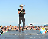 FORT LAUDERDALE FL - APRIL 08: Dustin Lynch performs during the Tortuga Music Festival held at Fort Lauderdale Beach on April 08, 2017 in Fort Lauderdale, Florida. : Credit Larry Marano © 2017