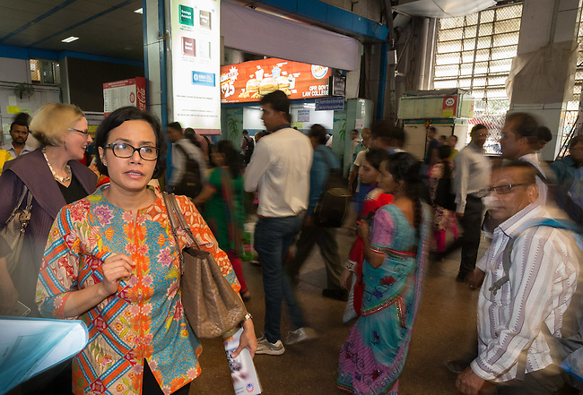22 September 2015, Mumbai, India: Sri Mulyani Indrawati, Managing Director of the World Bank Group, viewing the morning rush hour at Churchgate Railway Station in Mumbai during her visit to India. Picture by Graham Crouch/World Bank