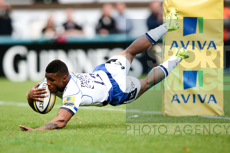 Bath's Kyle Eastmond goes in for an early try which is disallowed - Rugby Union - 2014 / 2015 Aviva Premiership - Wasps vs. Bath - Adams Park Stadium - London - 11/10/2014 - Pic Charlie Forgham-Bailey/Sportimage