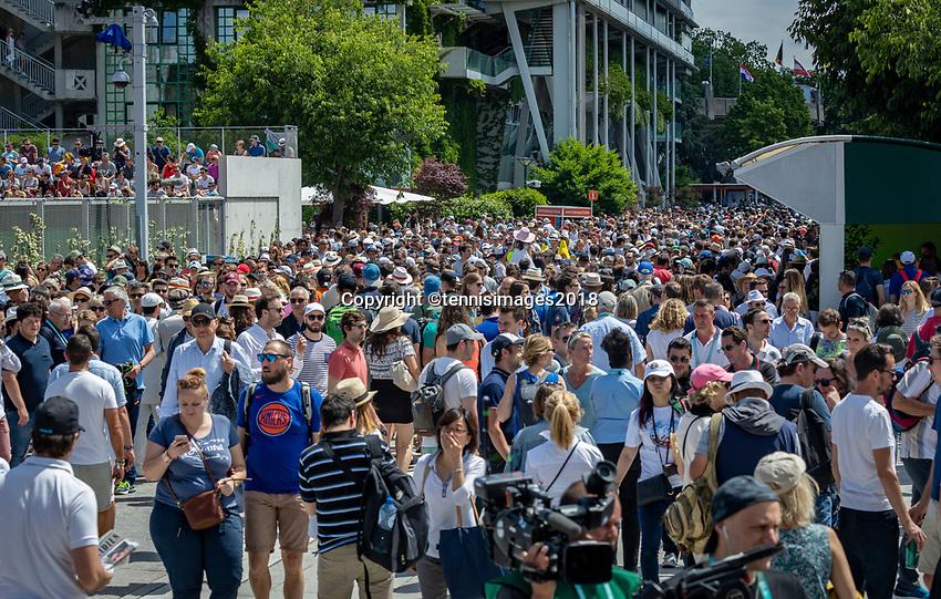 Paris, France, 02 June, 2018, Tennis, French Open, Roland Garros, Crowd<br /> Photo: Henk Koster/tennisimages.com