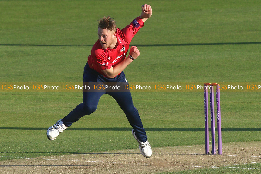 Jamie Porter in bowling action for Essex during Essex Eagles vs Sussex Sharks, Royal London One-Day Cup Cricket at The Cloudfm County Ground on 10th May 2017