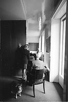 Carla Venosta. (1926 Monza, Milano). Designer, terminati gli studi classici, si iscrive alla facoltà di Architettura del Politecnico di Milano. Inaugurata questa mattina a Milano, nel quartiere Bicocca, una via a Guido Venosta, manager della Pirelli e per oltre trent?anni presidente dell?Associazione italiana per la lotta al cancro. Milano marzo 1987. © Leonardo Cendamo
