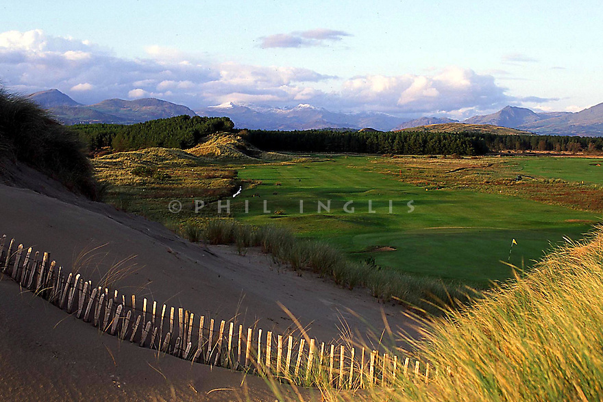 A general view of 11th hole Royal St David's Golf Club, Harlech, Wales with Snowdonia in the background.  (Picture Credit: Phil Inglis)