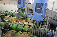 - acquedotto di Milano, impianto per il pompaggio dalla falda acquifera, sala delle pompe<br /> <br /> - aqueduct of Milan, facility for pumping from the goundwater , pumps room