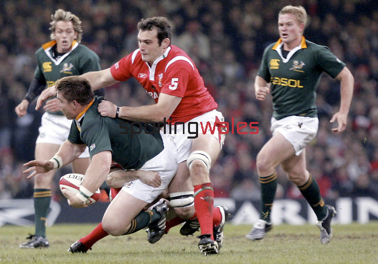 Invesco Perpetual Series 2005.Wales v South Africa.Millennium Stadium - Cardiff.19.11.05.©Steve Pope.Steve Pope Photography.The Manor .Coldra Woods.Newport.South Wales.NP18 1HQ.07798 830089.01633 410450.steve@sportingwales.com.