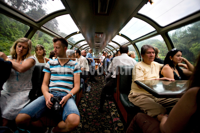 ©PATRICIO CROOKER.Panama..Tourist train that goes alone the Panama Canal.