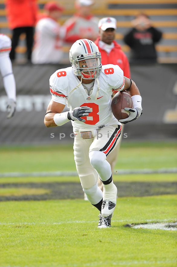 DEVIER POSEY, of the Ohio State Buckeyes, in action during the Buckeyes game against the Purdue Boilermakers  in St. Louis, MO, on October 17, 2009.  Purdue wins 26-18..