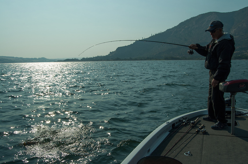 Smallmouth Bass fishing on the Columbia River, the Dalles Pool.