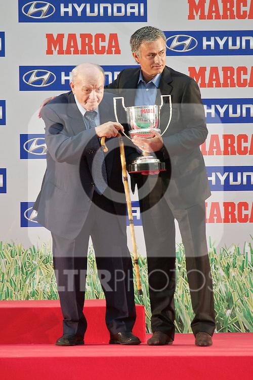 Premios Marca del Futbol 2011. Jose Mourinho recives Best coach award fro Alfredo Si Stefano...Photo: Cesar Cebolla / ALFAQUI