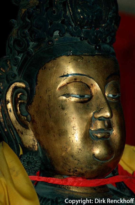 China, Peking, Buddhastatue im Fa Yuan Si-Tempel