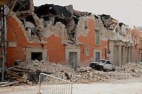 TERREMOTO A L'AQUILA NELLA FOTO PALAZZI DISTRUTTI DAL TERREMOTO L'AQUILA 10/04/2009 FOTO MATTEO BIATTA<br /> <br /> L'AQUILA EARTHQUAKE IN THE PICTURE BUILDINGS DESTROYED BY EARTHQUAKE L'AQUILA 10/04/2009 PHOTO BY MATTEO BIATTA