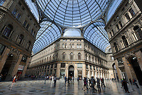 Italy, Campania, Naples: Interior of Galleria Umberto 1st shopping arcade, erected in 1887 | Italien, Kampanien, Neapel: Galleria Umberto I., Einkaufspassage erbaut 1887